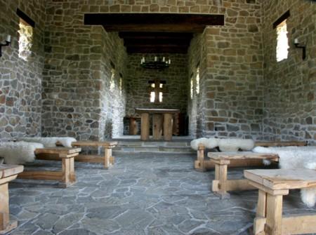 Modrá - kostel s. Jana, pohled do sálu